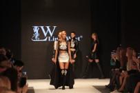 ÇAĞLA ŞİKEL - Deri Ve Kürk Moda Fuarı'nda Manken Çağla Şikel Ve Şarkıcı Ayşe Hatun Önal Podyuma Çıktı