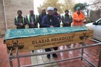 YAŞLI ADAM - Kazada Öldü, Kimliği Belirlenemedi 6 Kişi Son Yolculuğuna Uğurladı