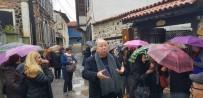 EMEKLİ ÖĞRETMEN - Kula Aşığı Zabun Kula'yı Tanıtmaya Devam Ediyor