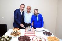 NEVŞEHİR BELEDİYESİ - 50.Evlilik Yıldönümü Pastasını Nevşehir Belediye Başkanı Seçen İle Birlikte Kestiler