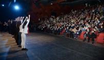 TÜRK BAYRAĞI - Anadolu Efsaneleri Tiyatrosu Akün Sahnesinde Oynandı