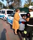 KADIN SÜRÜCÜ - Ehliyetsiz yakalanan kadından ilginç tepki