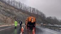 Toprak Kayması Nedeniyle Kapanan Yol Açıldı