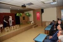 DAVUT GÜL - Vali Gül, Dereceye Giren Öğrencilerin Tiyatro Gösterisini İzledi