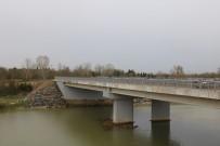 YENİ KÖPRÜ - Arifiye'nin Yeni Köprüsü Tamamlandı