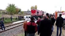 BALPıNAR - Batman'da Yolcu Treni Kamyonete Çarptı Açıklaması 2 Yaralı