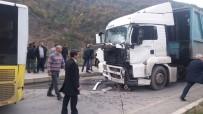 Trabzon'da Belediye Yolcu Otobüsüne Tır Çarptı Açıklaması 9 Yaralı