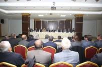 MEHMET AKTAŞ - Vali Ve Belediye Başkanı Muhtarlarıyla Bir Araya Geldi
