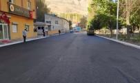 YOL ÇALIŞMASI - Bahçesaray'ın Merkez Caddeleri Asfaltlandı