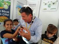 Çocuklar Tarım Fuarında Böcek Fobilerini Yendi