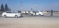 D-100 Üzerinde İki Otomobil Çarpıştı Açıklaması 2 Yaralı