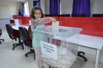 SEÇİM KAMPANYASI - Öğrenciler Sandık Başına Gitti, Oy Kullanıp Temsilci Seçti