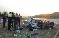 TEM Otoyolu'nda Feci Kaza Açıklaması 1'İ Ağır 3 Yaralı