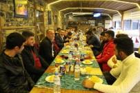 TÜRK BAYRAĞI - Başkan Tutal Mehmetçiklerle Buluşmaya Devam Ediyor