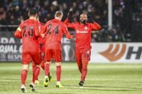 OĞUZHAN ÖZYAKUP - Beşiktaş'tan Avrupa'da Muhteşem Dönüş