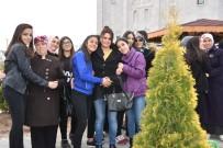 KIZ ÖĞRENCİLER - Kocasinan'da Anneler Ve Kızları Ağaç Dikti