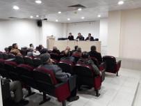 MURAT ŞAHIN - Muhtarlara Küpe Ve Güncelleme Affı İle İlgili Bilgilendirme Toplantısı Yapıldı