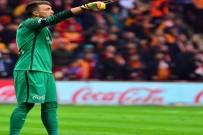 SELÇUK İNAN - Muslera İle Selçuk, Beşiktaş Maçı Kaçırmadı