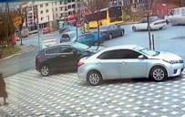 TRAFİK YOĞUNLUĞU - (Öçel) İki Otomobil Çarpıştı Açıklaması 2 Yaralı