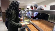 KLASIK MÜZIK - Öğrencilere Yemekhanede Konser Sürprizi