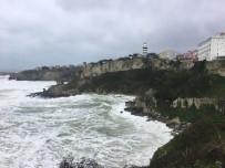 (ÖZEL) Şile'de Şiddetli Fırtına Nedeniyle Dev Dalgalar Oluştu