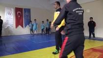 OLİMPİYAT ŞAMPİYONU - Spor Müdürü Güreş Sevdasıyla Gönüllü Antrenörlük Yapıyor