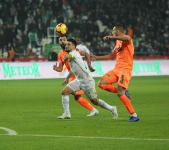 Spor Toto Süper Lig Açıklaması Atiker Konyaspor Açıklaması 0 - Aytemiz Alanyaspor Açıklaması 0  (İlk Yarı)