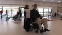 AKÜLÜ SANDALYE - Suriyeli 2,35'Lik Cuma Yeniden Ayağa Kalkmak İstiyor