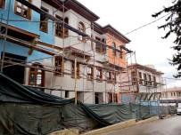 OSMANGAZI BELEDIYESI - Tarihi Bursa Evleri Hayat Buluyor