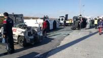 SERVİS ARACI - Atatürk Havalimanı'nda Personel Sevisi Kaza Yaptı Açıklaması 9 Yaralı
