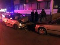 Bandırma'da Trafik Kazası Açıklaması 1 Ölü, 1 Yaralı