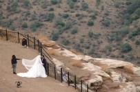 TİLLO - Düğün Fotoğrafı Çektirmek İçin 2 Bin Metreye Çıkıyorlar