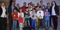 SATRANÇ FEDERASYONU - Alaşehir'de Satranç Şampiyonlarına Ödül
