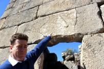 MEHMET ALKAN - Askeri Gözetleme Kulesinde Herakles'in Sopasının Kabartması Bulundu