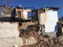 MUSTAFA DÖNMEZ - Bilecik'te Çıkan Yangında 2 Katlı Ev İle Otomobil Kül Oldu