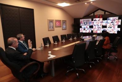Başkan Erdoğan, İstanbul AK Parti ilçe başkanları ile telekonferansla görüştü.
