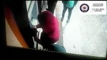 YANKESİCİLİK VE DOLANDIRICILIK BÜRO AMİRLİĞİ - Gaziantep'te ATM Dolandırıcılarına Tutuklama