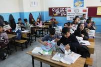 İHH'dan 15 Bin Öğrenciye Yardımcı Ders Kitabı