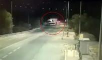 İŞÇİ SERVİSİ - İşçi Servisi Tırla Çarpıştı Açıklaması 7 Ölü, 3 Yaralı