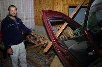 SOLMAZ - Kontrolden Çıkan Araç Oturma Odasına Girdi