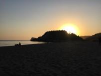 Sarıgerme Sahilinde Gün Batımı Büyüledi