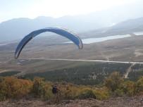 YAMAÇ PARAŞÜTÜ - Seydişehir Çal Tepesinde İlk Kez Yamaç Paraşütü Atlayışı Gerçekleştirildi