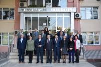 YUNUSEMRE - Vali Güvençer'den Başkan Çerçi'ye Övgü