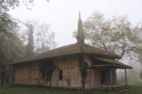 670 Yıllık Camide Define Aradılar