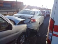 ÇITLEMBIK - Aliağa'da İki Ayrı Kazada 4 Kişi Yaralandı