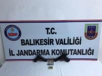 Balıkesir'de Ruhsatsız Silah Baskını