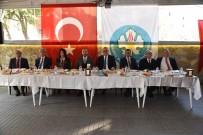 CELAL BAYAR ÜNIVERSITESI - Başkan Ergün Yunusemre İlçe Muhtarlarıyla Buluştu