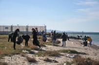 18 MART ÜNIVERSITESI - Çanakkale Sahillerine Limak Enerji Çevre Timi'nin Eli Değdi