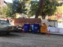 ÇAY BAHÇESİ - Çöp Konteyneri Arasında Ekmek Parası