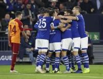 SELÇUK İNAN - İlk Yarı Schalke'nin Üstünlüğüyle Bitti